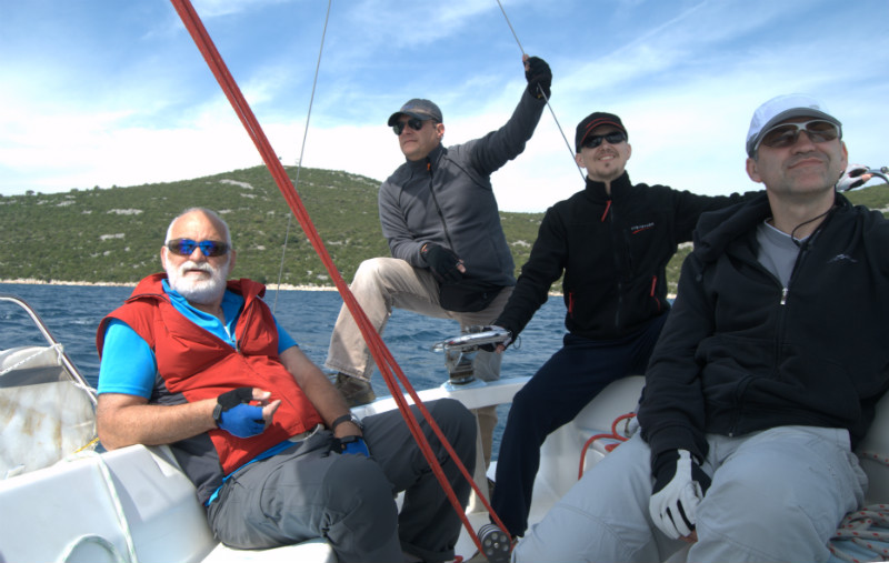 sailing-instructor